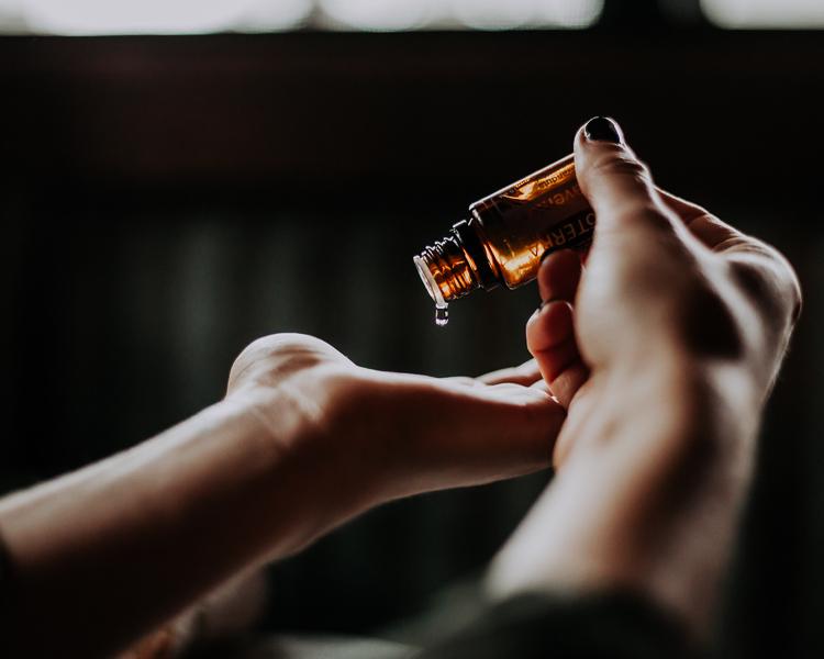 composer synergie mélange huile essentielle aromathérapie